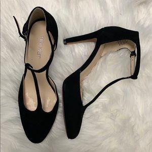 New Nine West suede heels
